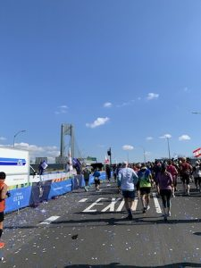The start line of the race at the top of the Verrazano bridge.
